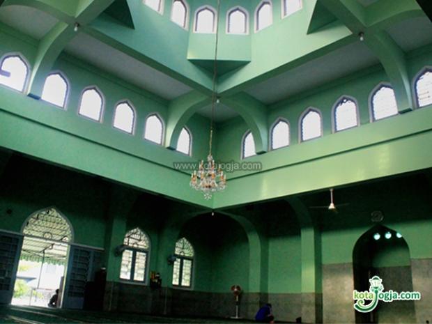 masjid-syuhada-00110012012143344