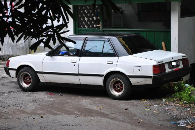 mitsubishi lancer SL 1983 white n black